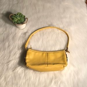 Relic yellow leather purse
